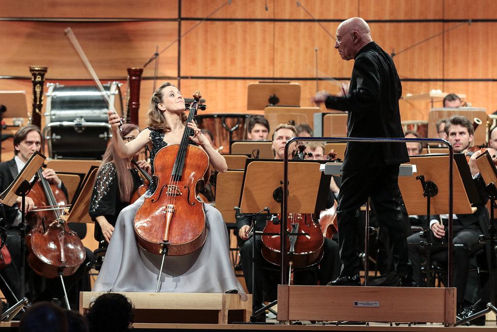 Eröffnungs-Vorkonzert (IMG_0970) | Sol Gabetta, VioloncelloNDR Elbphilharmonie OrchesterChristoph Eschenbach, Dirigent-Foto Axel... | fotonick Kiel