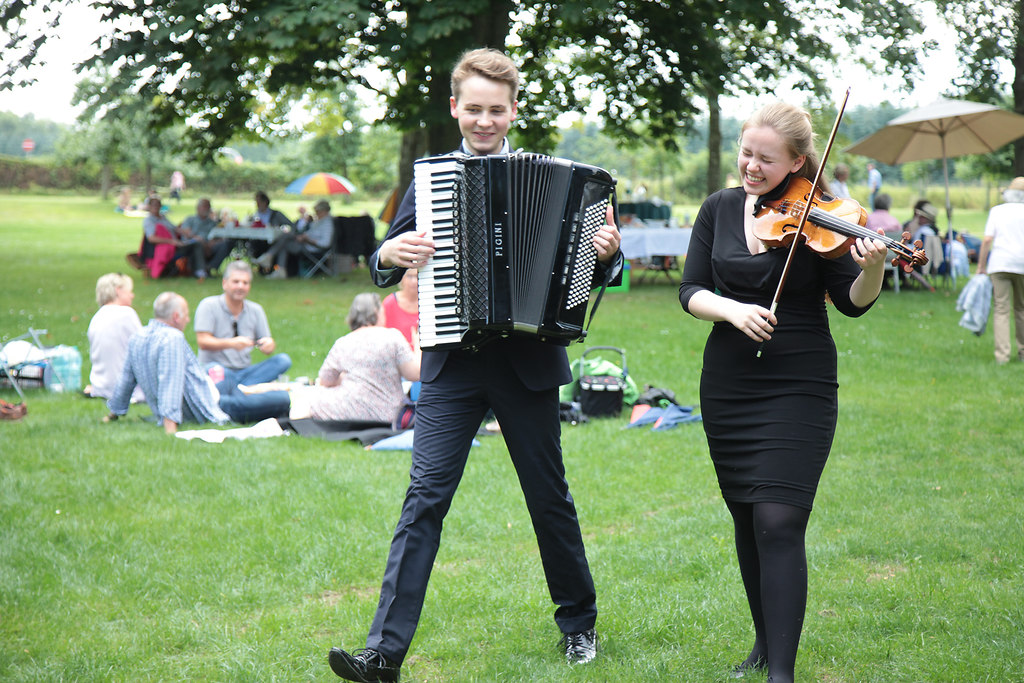 fotonick-AN-7442 | Musikfest Stoclsee-Anne Maria Wehrmeyer, ViolineJulius Schepansky, Akkordeon-Hintergrund... | fotonick Kiel
