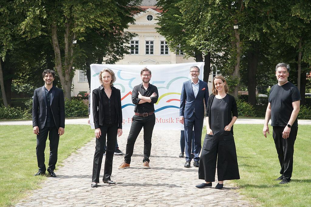 SHMF-Eröffnungsfest  2020 (fotonick-02778) | SHMF-Porträtkünster mit Intendant Christian Kuhnt- Avi Avital, Sabine Meyer, Kristian... | fotonick Kiel