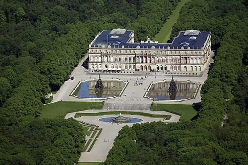 Herrenchiemsee und Schloss Herrenchiemsee (Schloss Herrenchiemsee Luft-22-0509)