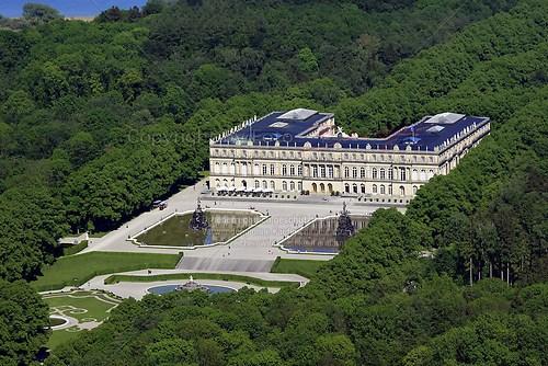 Herrenchiemsee und Schloss Herrenchiemsee (Schloss Herrenchiemsee Luft-32-0509)